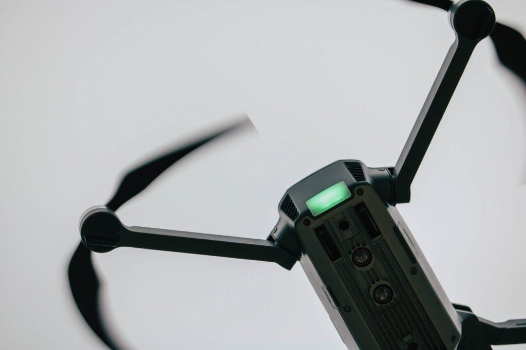 Опасные инциденты с дронами: московские аэропорты тестируют защиту от беспилотников