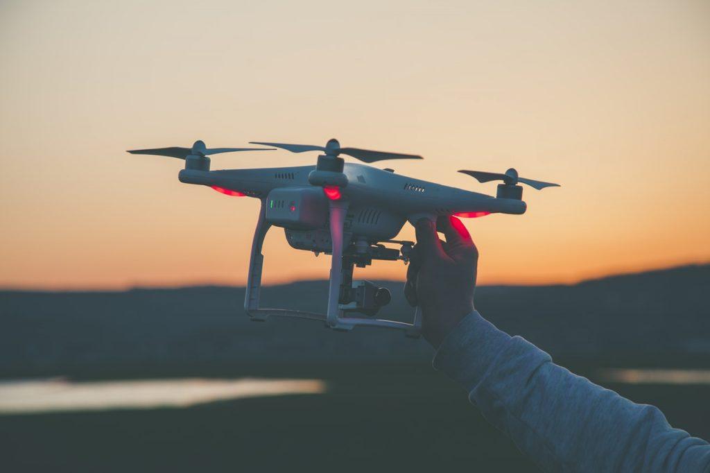 Штраф до 2000 евро за полет дрона без номеров