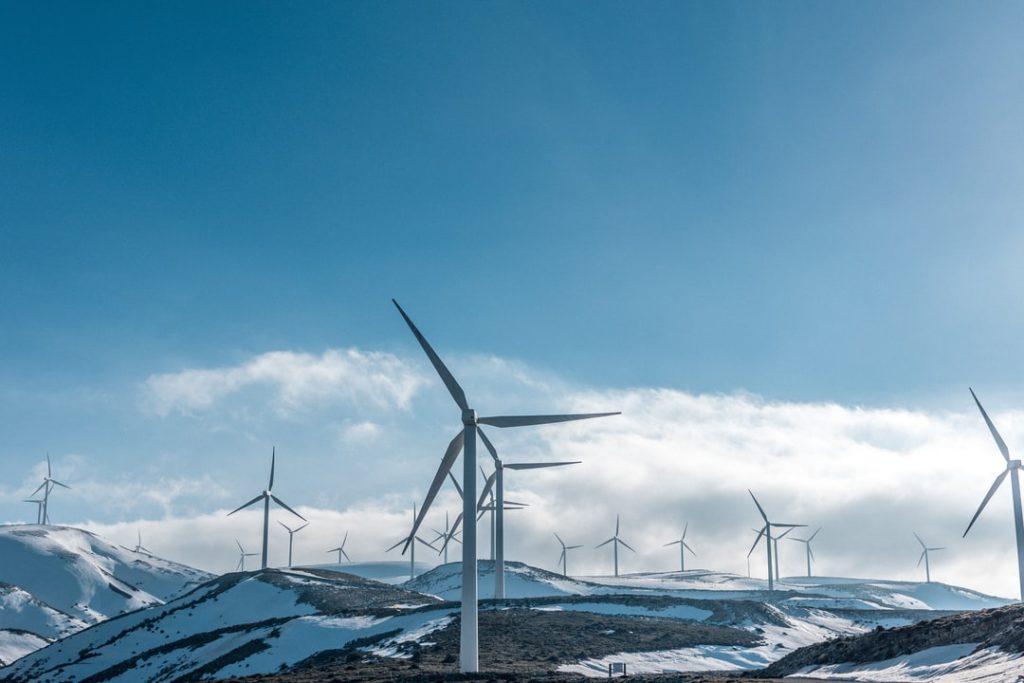 Энергия ветра: как увеличить время полета дрона?